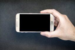 Derfor skal du udskifte din gamle mobil