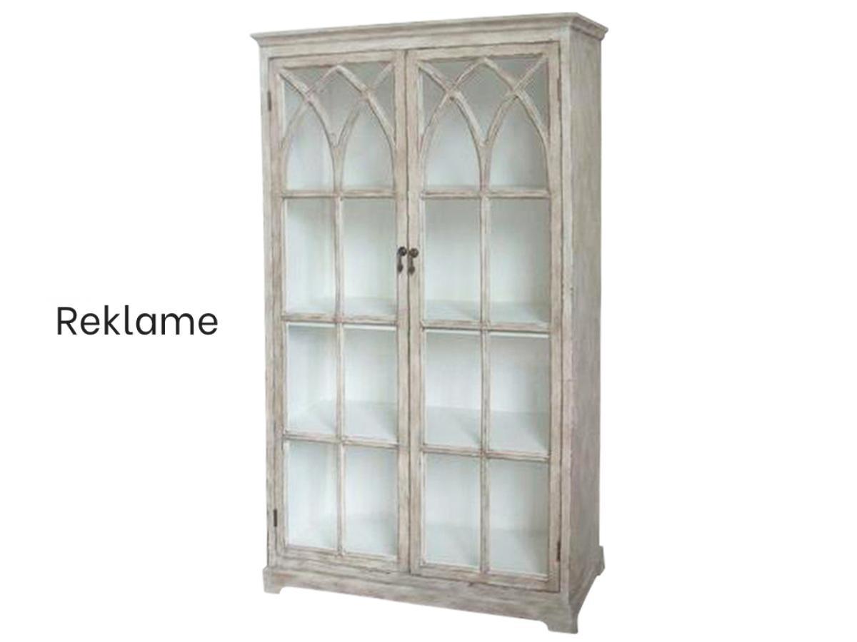 Udstil dine værdigenstande i et vitrineskab